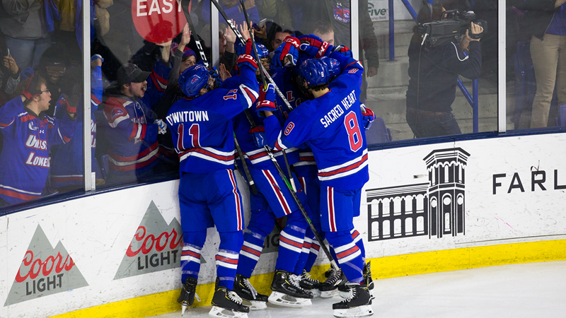 No. 12 River Hawks skate with UNH in home-and-home HEA series - UMass Lowell Athletics
